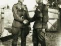 Николай Николаевич Кувшинников (слева) с командиром в Чехословакии, 1945 год. Прислал Александр Кувшинников (г. Череповец).
