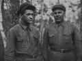 Мой дедушка Чекмарев Борис Константинович (справа)