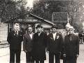 Слесарь ВРЗ С.И.Горбин (третий слева).