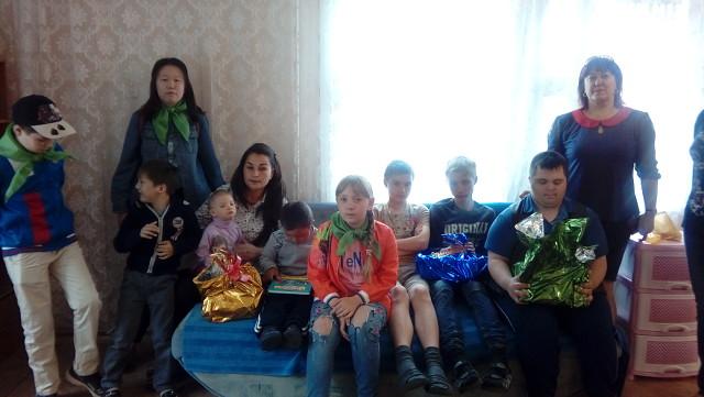 Акция Поделись радостью чтения (дарение книг детям-инвалидам в СРЦН Надежда)
